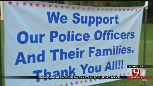 Edmond Woman Posts Sign, Thanks Police Officers