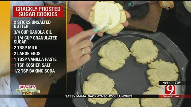 Sassy Mama: Crackly Frosted Sugar Cookies