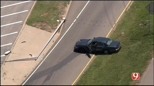 WEB EXTRA: Bob Mills SkyNews 9 HD Flies Over Rollover Crash On I-35