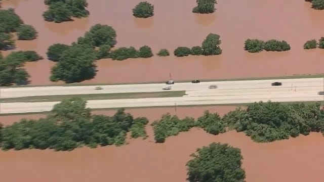 Red River Almost Reaches Road Level Near State Line