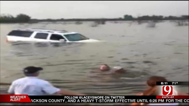 Oklahoma Couple Rescues Louisiana Man From Sinking SUV
