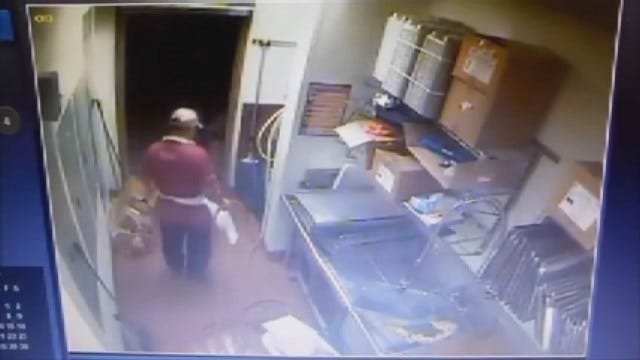 WEB EXTRA: Armed Robbery At OKC Popeye's Chicken