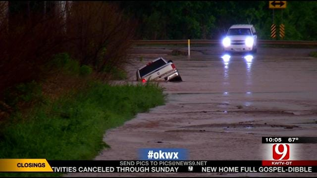 Stranded Drivers Rescue From Rushing Waters In OK