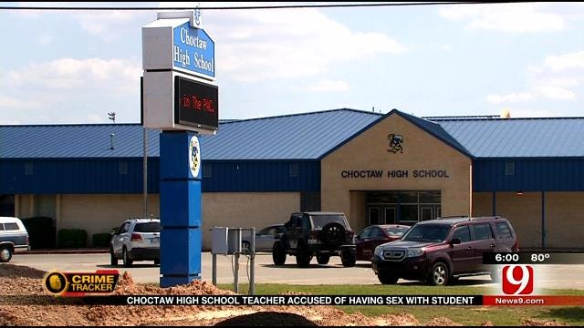 Choctaw HS Teacher Accused Of Having Sex With Student Bonds Out
