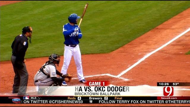 Dodgers Split Doubleheader