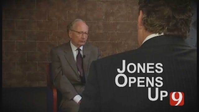 Stephen Jones defended Timothy McVeigh. He opens up to Kelly Ogle...