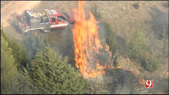 Crews Battle Grass Fire Near Yukon
