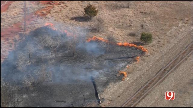 Crews Battle Metro Grass Fires