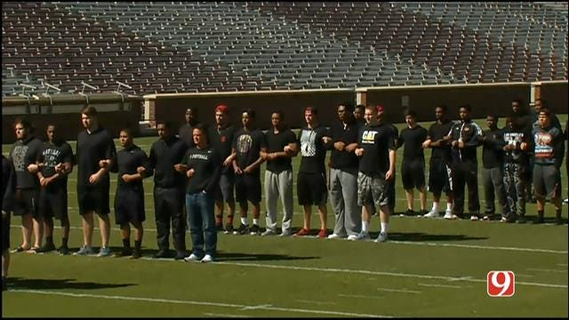 OU Football Team Holds Silent Protest