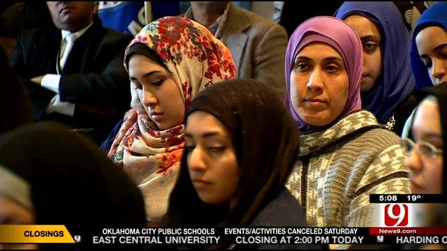 Oklahoma Muslims At State Capitol To Ease Tension Between 'Neighbors'