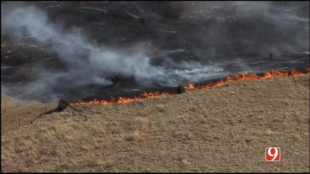 WEB EXTRA: Bob Mills SkyNews 9 HD Flies Over NW OKC Grass Fire