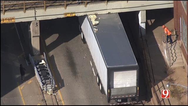 WEB EXTRA: Bob Mills SkyNews 9 HD Flies Over Semi Stuck Under Bridge In OKC