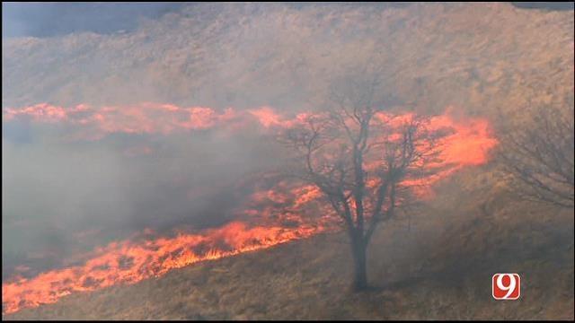 WEB EXTRA: Bob Mills SkyNews 9 HD Flies Over Cushing Grass Fire