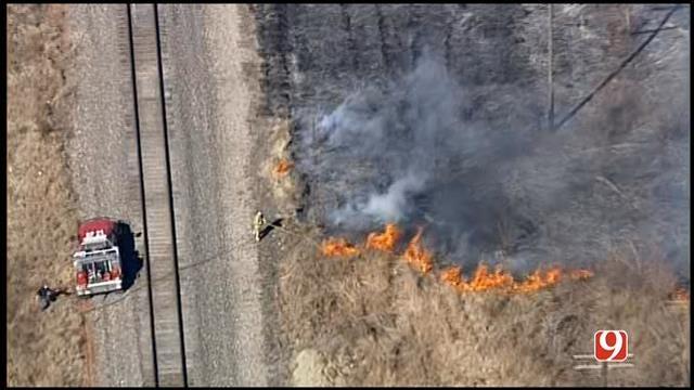 SkyNews 9 Flies Over Grass Fire In SE OKC