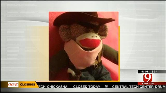 Hot Topics: Sock Monkey's Gun Confiscated