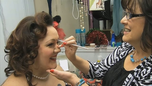 Women Find Inner 'Pin-Up Dames' At Pauls Valley Company