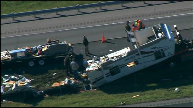 WEB EXTRA: Bob Mills SkyNews9 HD Flies Over Accident On I-40