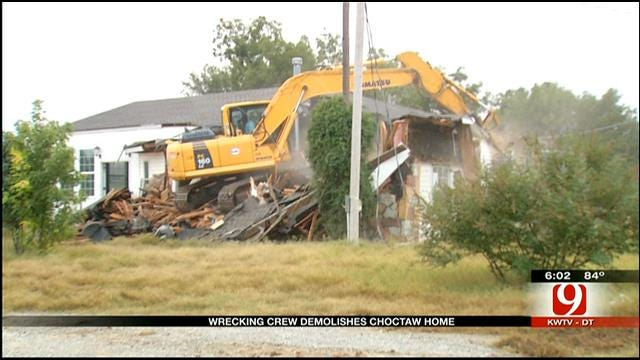 House Near Eroding Riverbank In Choctaw Demolished