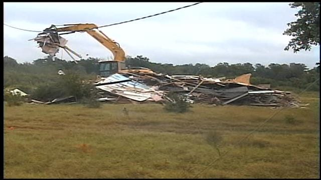 Crews Tear Down Choctaw Home Nearly Swallowed By River