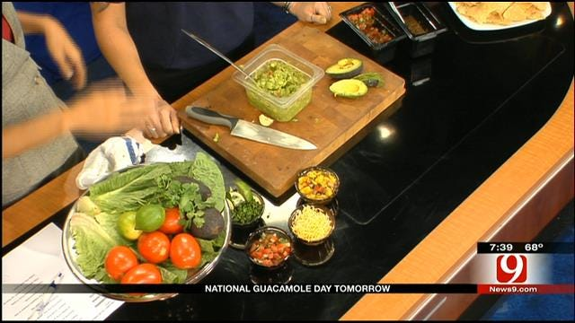 Costa Vida Gives Tips On Making The Best Guacamole