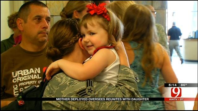 Edmond Soldier Reunites With Daughter After Being Deployed Overseas
