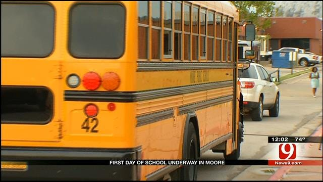 Moore Students Return To School Nearly 3 Months After Deadly Tornado