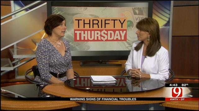 Thrifty Thursday: Warning Signs Of Financial Troubles