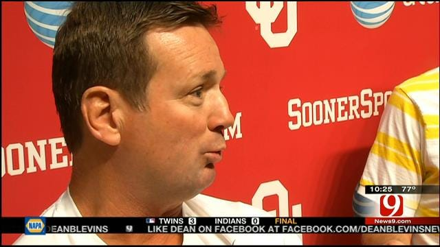 Stoops Still In No Rush To Name A Starter At QB
