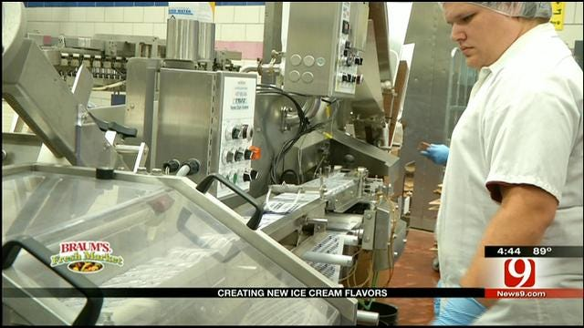 Sassy Mama Tours Braums' Dairy In Tuttle
