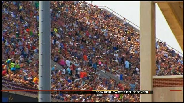 Thousands Turn Out For Toby Keith Tornado Benefit Concert In Norman
