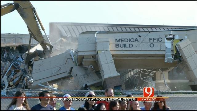 Demolition Begins On Tornado-Damaged Moore Medical Center