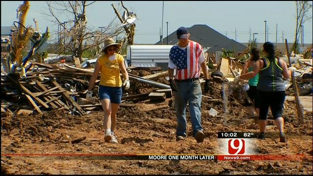 Volunteers In Moore Continue Making Progress, Friendships