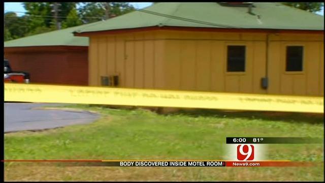Motel Owner In Chandler Finds Dead Customer In Room