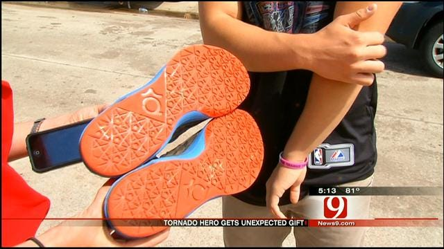 Thunder Rewards Moore Teen Rescuer With New Shoes