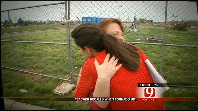 Moore Teacher Sings 'Jesus Loves Me' To Comfort Students During Tornado