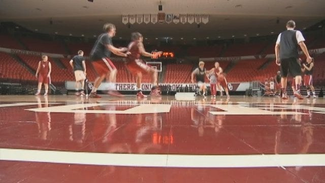 Sooners Prepare To Face Tennessee In Sweet 16