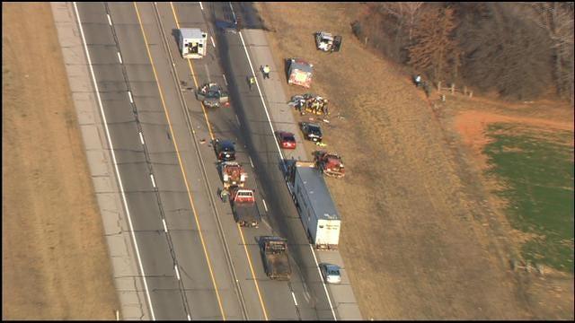 WEB EXTRA: SkyNews 9 Flies Over Crash On I-44 Near Wellston
