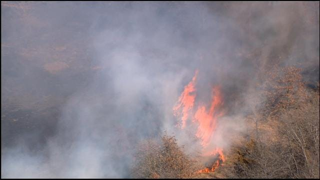 WEB EXTRA: Bob Mills SkyNews 9 HD Flies Over Grass Fire Near McLoud