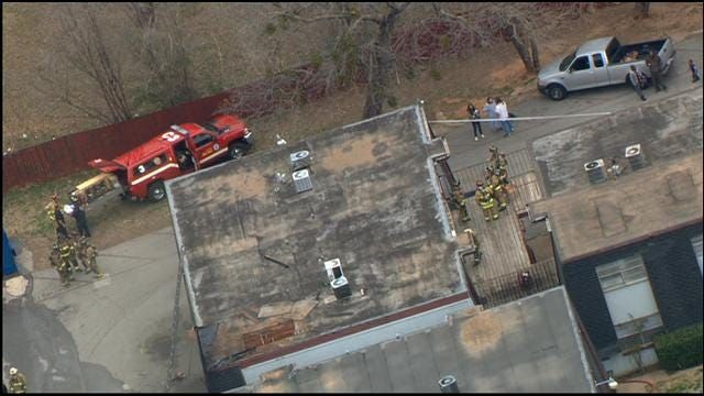 Bob Mills SkyNews 9 HD Flies Over SW OKC Apartment Fire