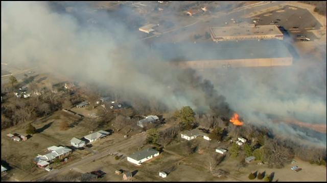 SkyNews Flies Over Large Grassfire Burning In Southeast OKC
