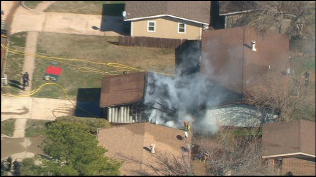 Bob Mills SkyNews9 HD Flies Over House Fire In Norman