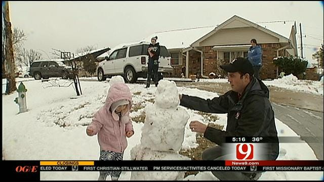 News 9's Chris McKinnon Teams Up With Toddler To Make Snowman