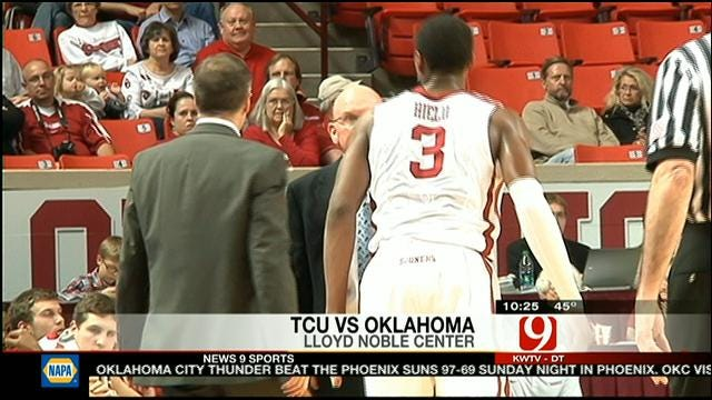 Sooners Win, But Lose Hield To Injury