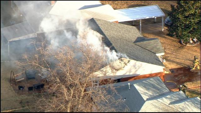 WEB EXTRA: SkyNews 9 Flies Over NW OKC House Fire