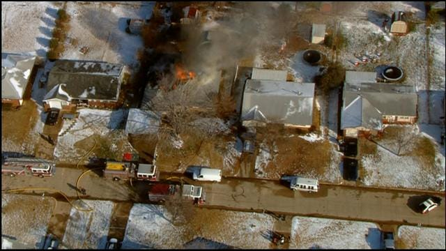 WEB EXTRA: Sky News 9 Flies Over House Fire In MWC