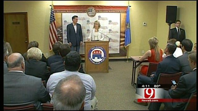 Hot Topics: Governor Fallin Greets Romney