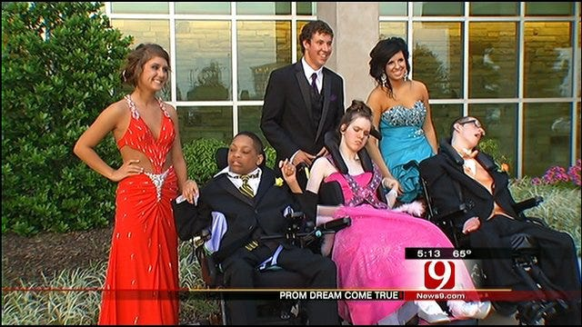 Children's Center Patients Enjoy Prom At Carl Albert High School