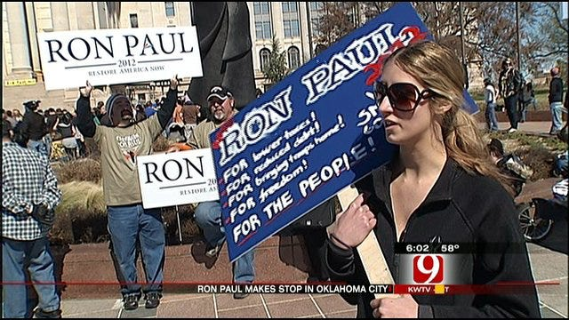 Ron Paul Rally Draws Sooner Supporters