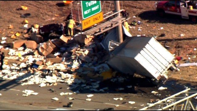 Two Semi Trucks Crash On Northbound I-35 In OKC
