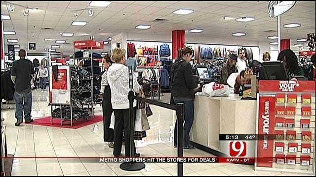 Metro Shoppers Hit The Stores For Good Deals